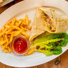 Фото к позиции меню Шаурма с курицей-гриль и картофелем фри