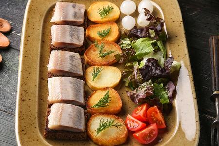 Спинка сельди с картофелем Барбекю