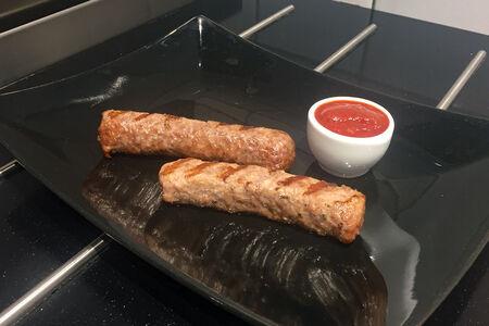 Чевапчичи из мраморной говядины с соусом