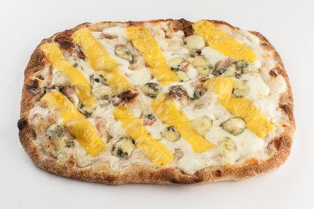 Пинса Четыре сыра