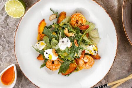 Салат С креветками и манговым соусом