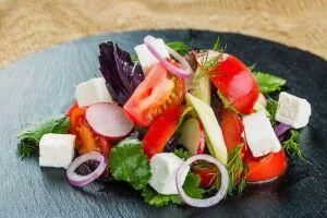 Фирменный салат Огород с сыром Домашний