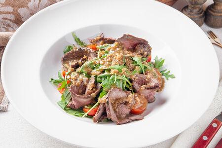 Стейк-салат с ростбифом