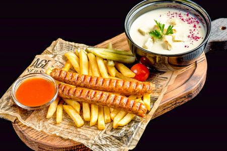 Комбо с картофелем фри и колбасками