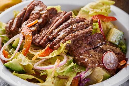 Салат Калифорния с говядиной