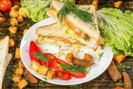 Английский сэндвич с курицей