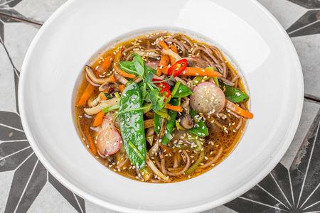 Азиатский суп с лапшой Соба