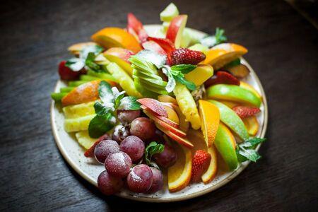Топпинг к каше свежие фрукты (виноград, банан, киви)