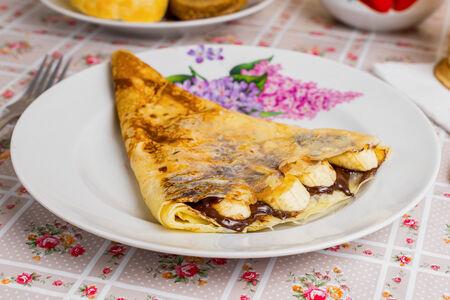 Блин с шоколадом и бананом