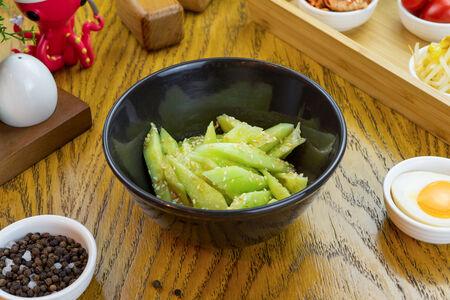 Салат Огурцы в чесночном соусе
