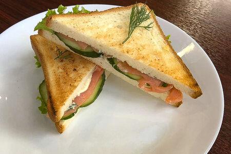 Сэндвич-клаб с семгой