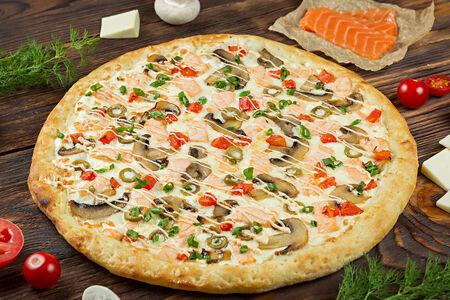 Пицца Сливочная с лососем
