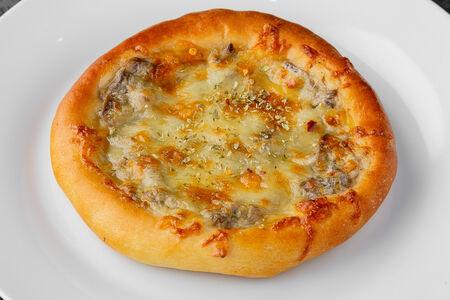 Мини-пицца с грибами