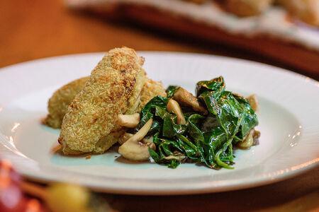 Картофельные зразы со шпинатом и грибами