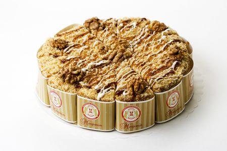 Торт Медово-сметанный с орехами