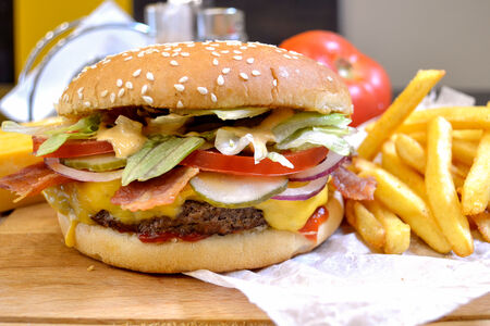 Суперчизбургер с беконом