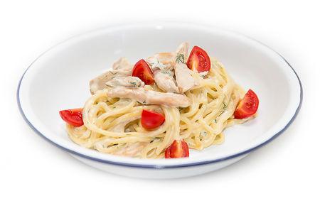 Спагетти с курицей и черри