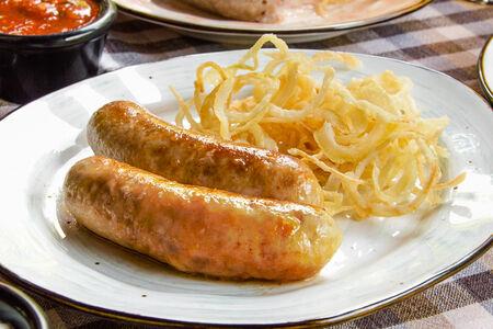 Свино-куриные колбаски с сыром Фройляйн