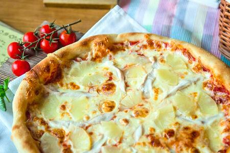 Пицца Курица с ананасами