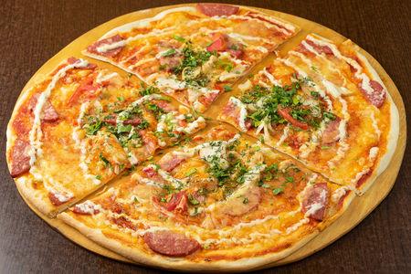 Пицца от плюшки на слоеном тесте