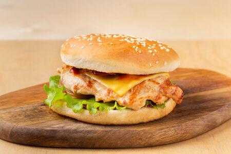 Бургер Барбекю с куриным филе