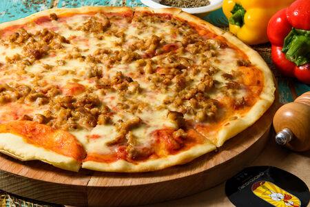 Пицца с рубленой курицей