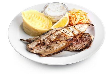 Филе скумбрии гриль жареный картофель
