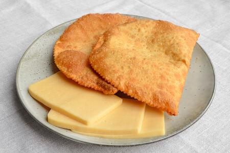Чебурек с сыром