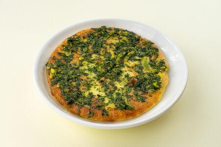 Лепешка с зеленым луком на гриле