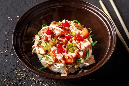 Салат с крабом и лососем
