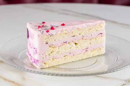 Торт Ягодно-лавандовый