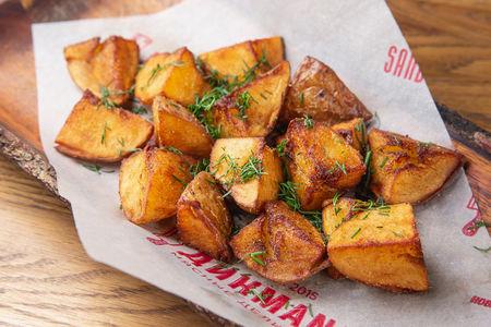 Картофель с соусом на выбор