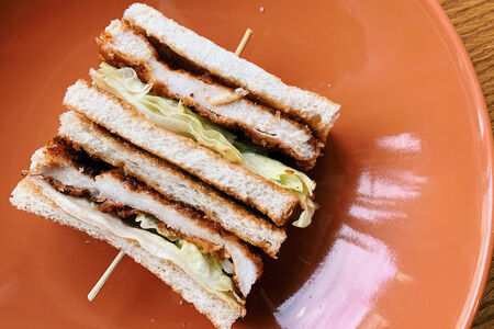 Чикен кацу сэндвич