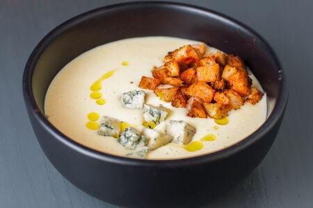 Сырный крем-суп с горгонзолой