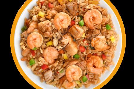 Рис с курицей и креветками по-тайски