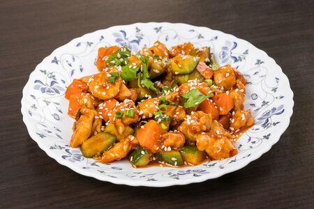 Жареная курица Гунбао