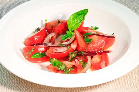 Салат из свежих узбекских помидоров