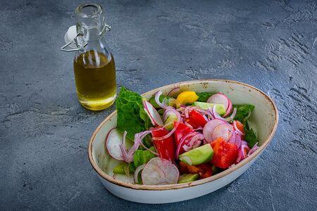 Из свежих овощей с маслом растительным