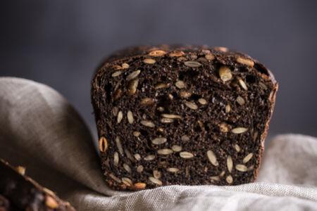 Хлеб черный с семечками