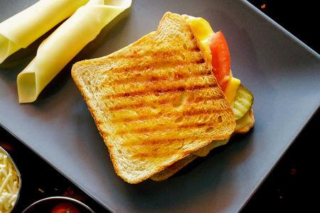 Тост Горячий турецкий сэндвич с двойным сыром