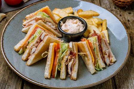Клаб-сэндвич мясной