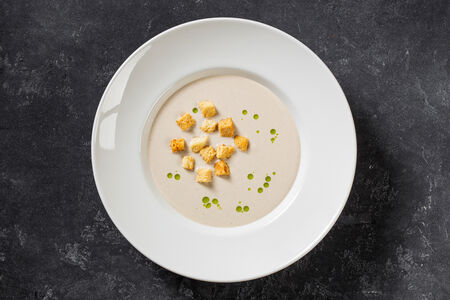 Сливочный крем-суп с шампиньонами