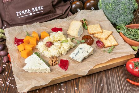 Сырная доска европейских сыров