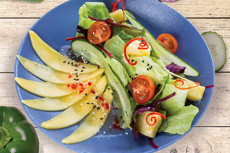 Салат Манго & овощи