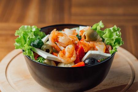 Греческий салат с креветкой