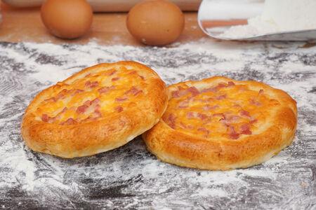 Печушка с сыром и ветчиной