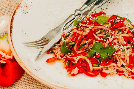 Салат с ростбифом и свежими овощами