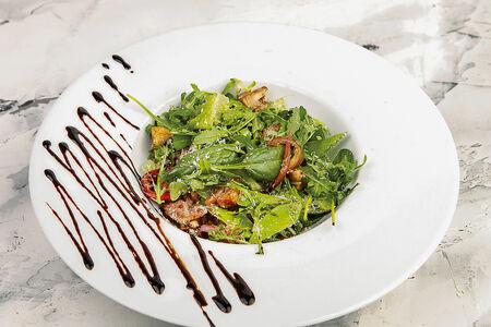 Салат Теплый с телятиной и бальзамическим соусом