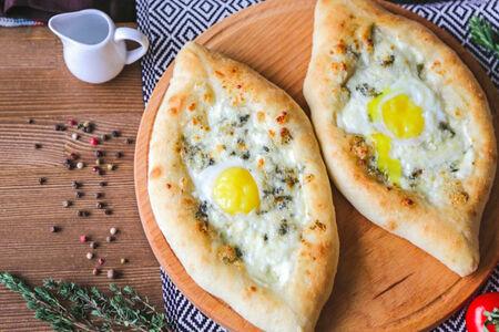 Аджарский хачапури с сыром Дор Блю