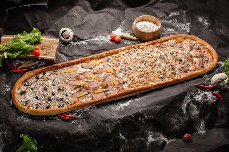 Пицца метровая Мега Хит